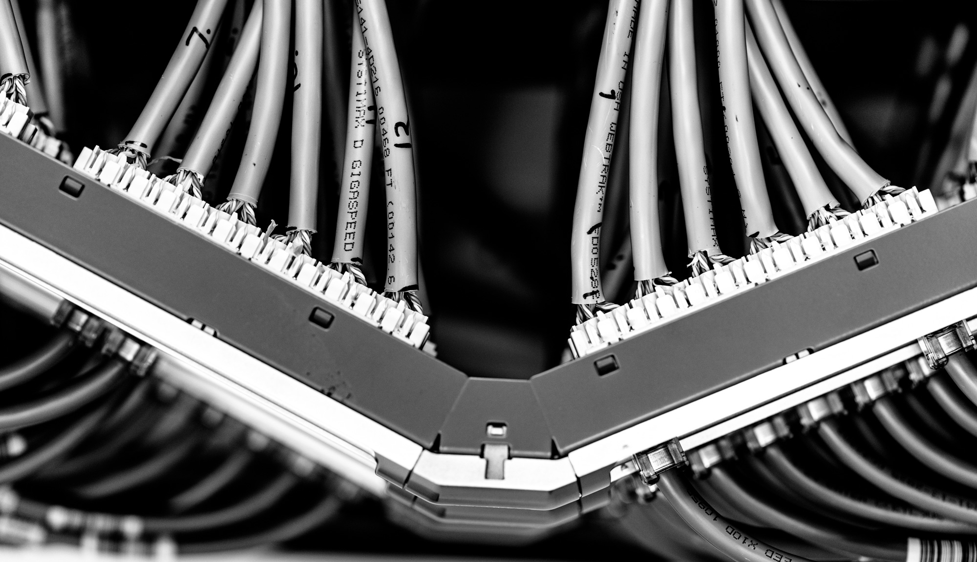 Macquarie Cloud Services have data centre cables (or data center cables or datacentercables) ready for your cable patching service or redundant cable tray paths